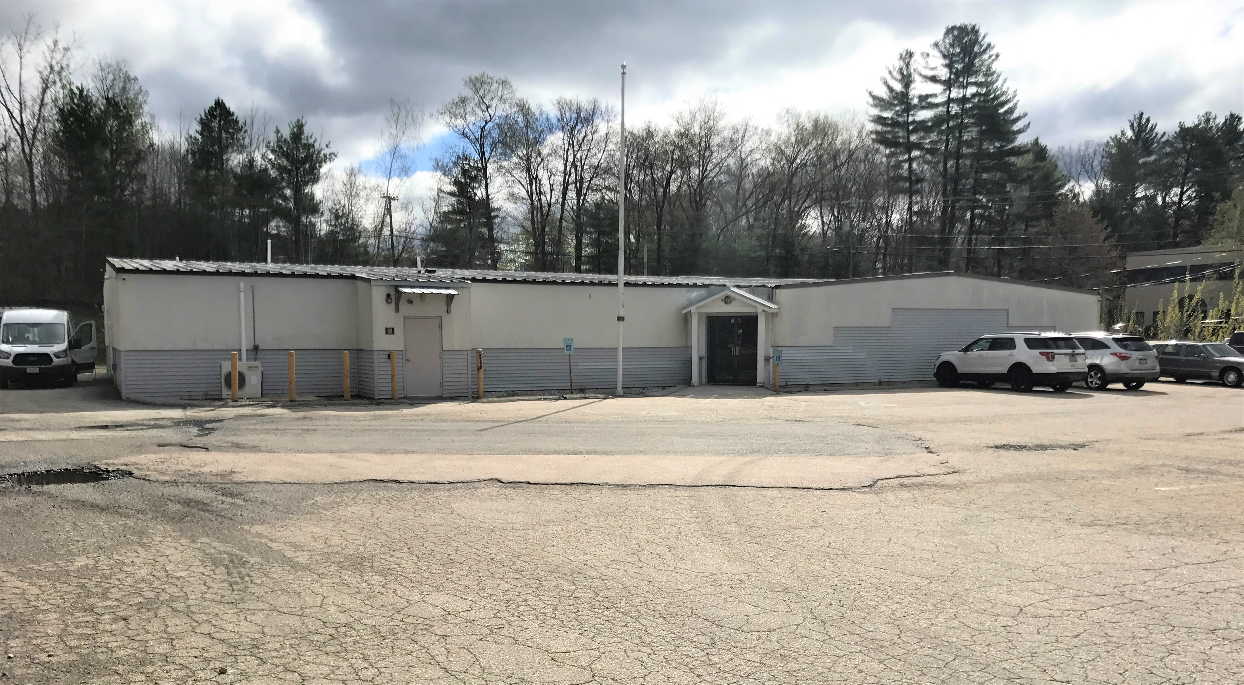 39 Londonderry Turnpike, Hooksett, NH For Sale or Lease